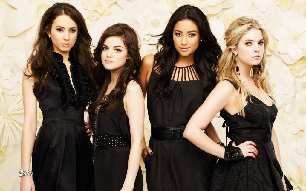 Pretty Little Liars Wallpaper @ go4celebrity.com
