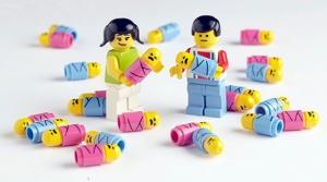 lego-minifig-babies
