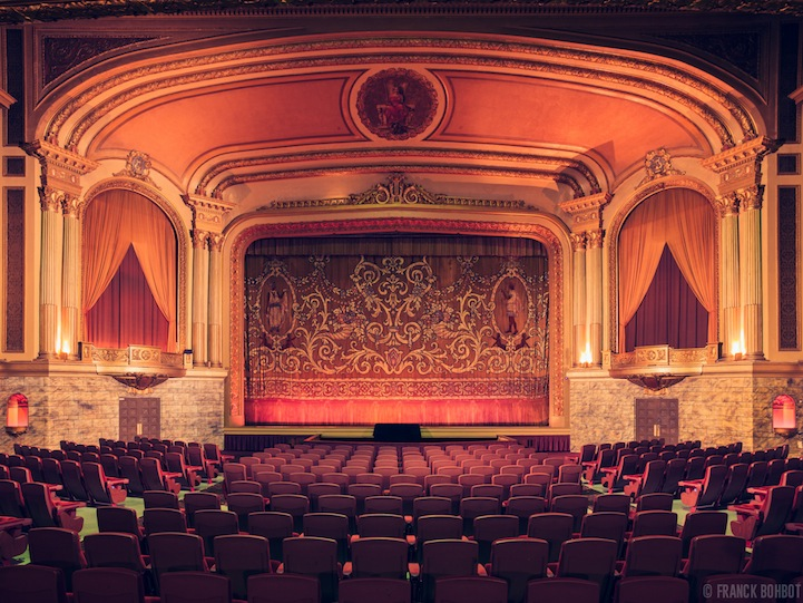 10-The-Grand-Lake-Theater-I-in-Oakland