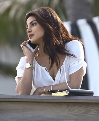 priyanka-chopra-baywatch-set-florida-3216-13-compressed