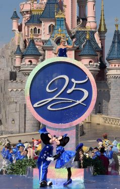 25th_Celebration_Disneyland_Paris_Disney_12