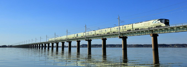 jr-east-train-suite-shiki-shima-designboom-05-02-2017-fullheader