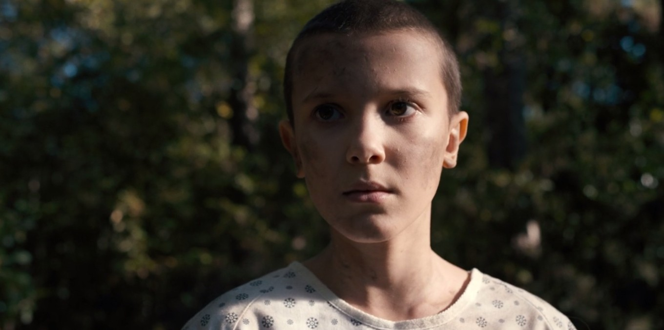 Millie-Bobby-Brown_stranger-things_netflix_s1_ep1_-26-50