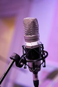 mic-3774927_1920